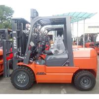 Quality Pneumatic Tire Type Indoor Outdoor Forklift / Compact Lift Trucks 3000 Kg Load Capacity wholesale